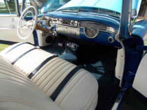1955 Oldsmobile Holiday 88-OI-00140